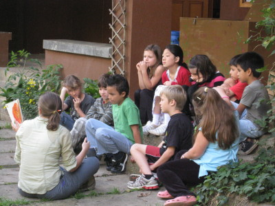 Local and international students studying outside at Monteverde Friends School