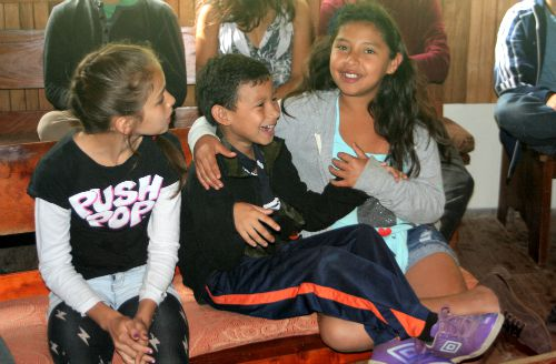 Children enjoy Monteverde Quakers meeting for worship
